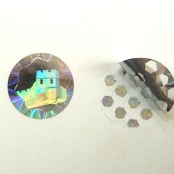 Dots-Pattern-Hologram